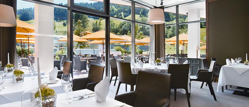 Kempinski Hotel Das Tirol - Jochberg, Kitzbühel, Austria - restaurant 2.jpg